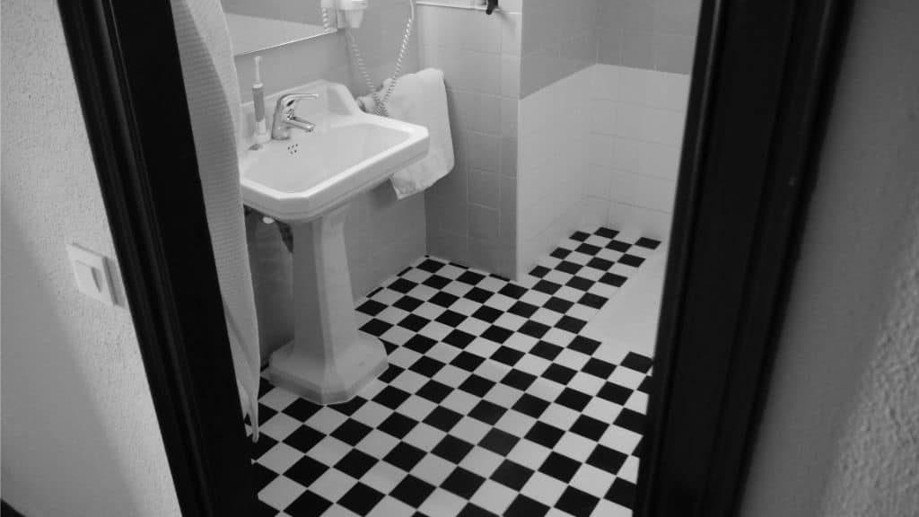 bathroom black white