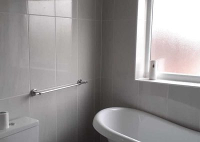Hotel-like bathroom experience at home (by local bathroom fitters to Leicester)